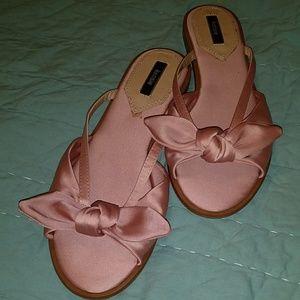 Kensie pink bow sandals nwot